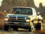 Dodge Ram 3500 Club Cab 1994–2002 images