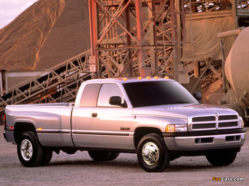 Dodge Ram 3500 Club Cab 1994–2002 photos (800 x 600)