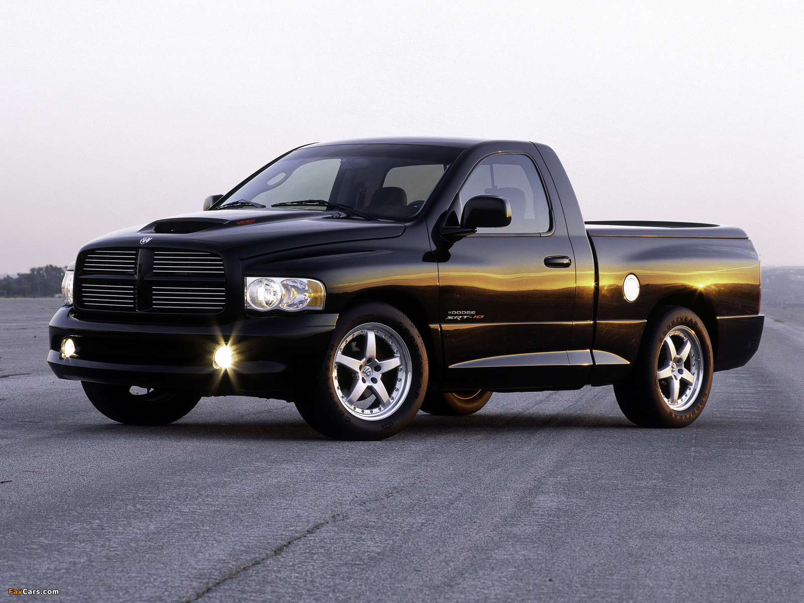 Dodge Ram SRT10 Concept 2002 pictures (1600 x 1200)
