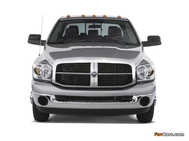 Dodge Ram 3500 Mega Cab 2006–09 wallpapers (640 x 480)