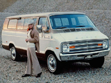 Pictures of Dodge Sportsman SE Wagon 1974
