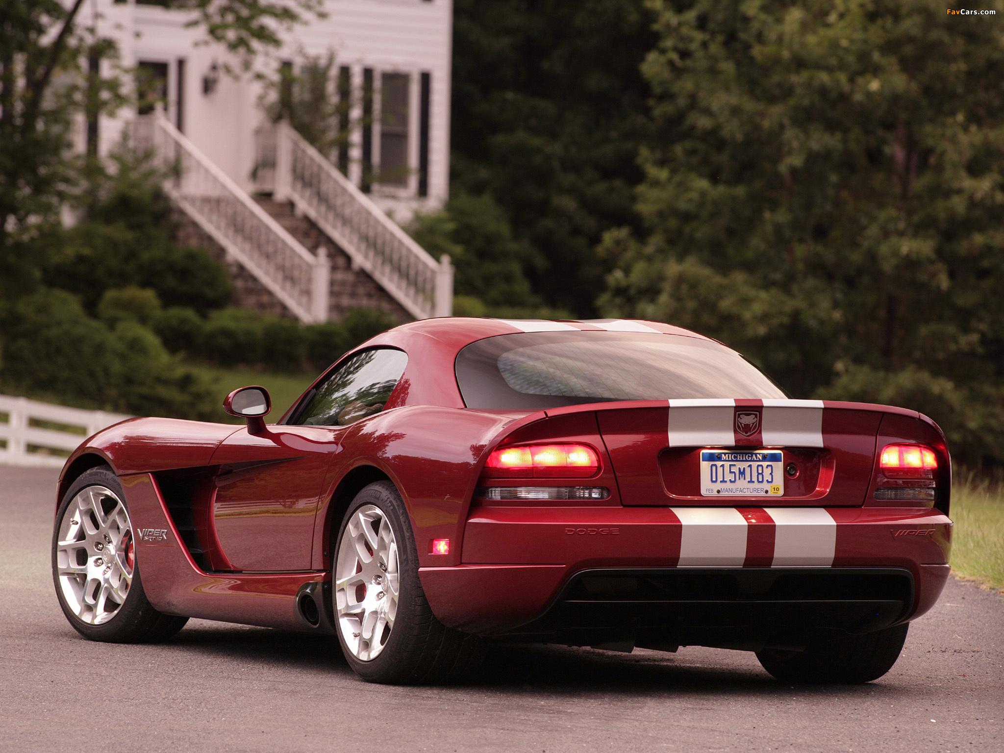 Photos of Dodge Viper SRT10 Coupe 2008–10 (2048 x 1536)