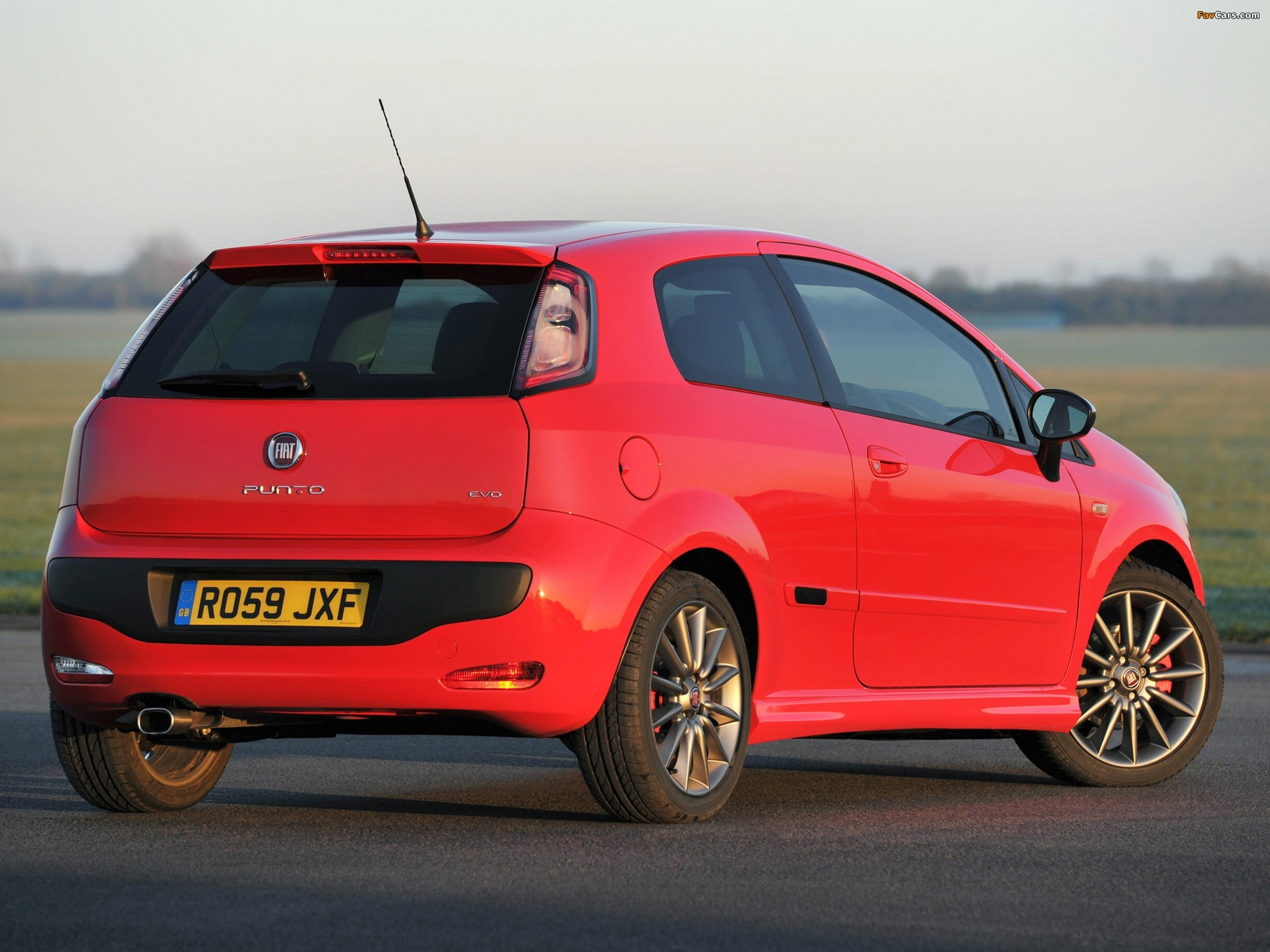 Fiat Punto Evo 3-door UK-spec (199) 2010–12 images (2048 x 1536)