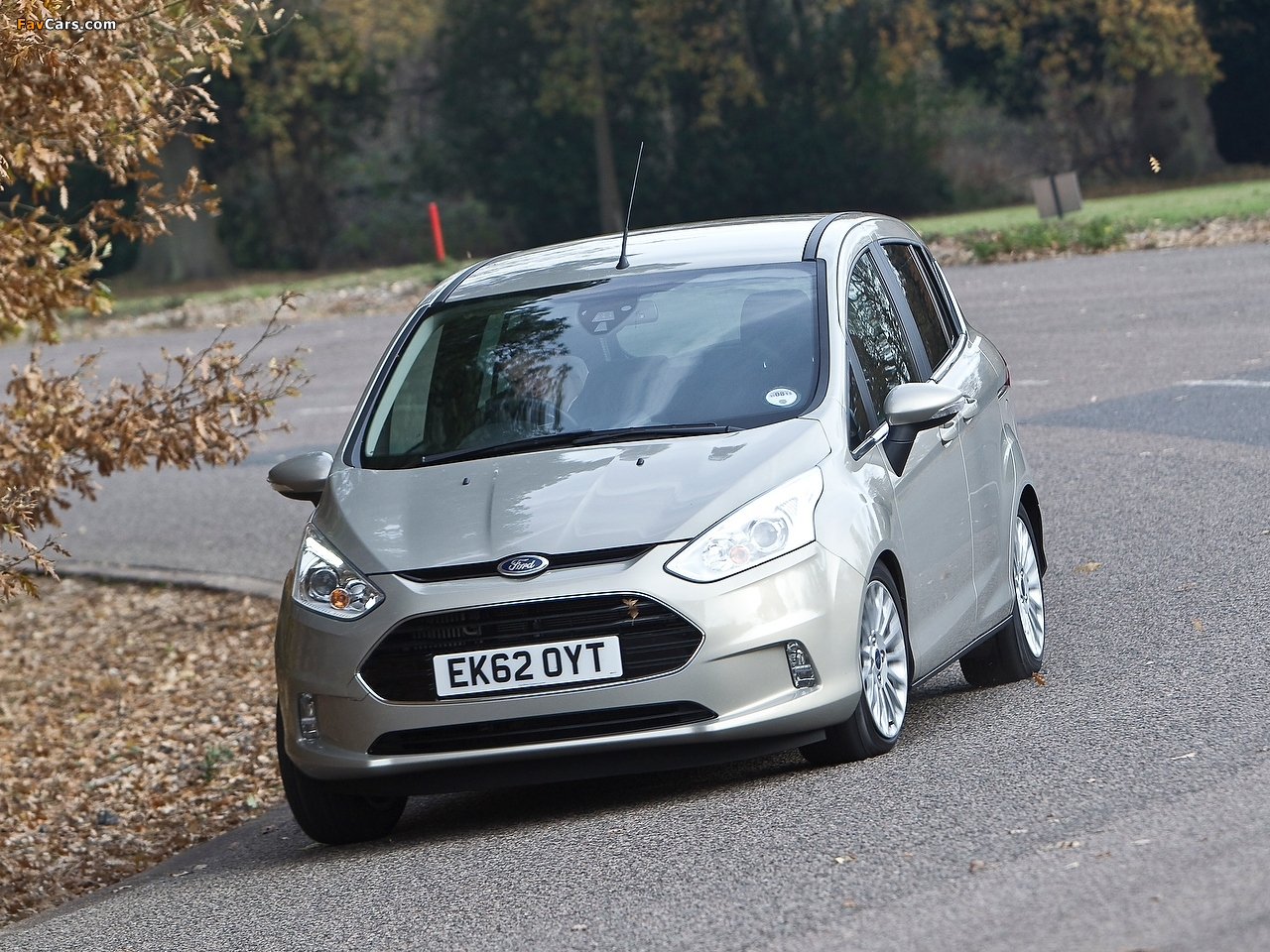 Ford B-MAX UK-spec 2012 images (1280 x 960)