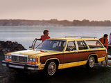 Ford LTD Country Squire Station Wagon 1981 pictures