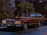 Photos of Ford LTD Country Squire Station Wagon 1980