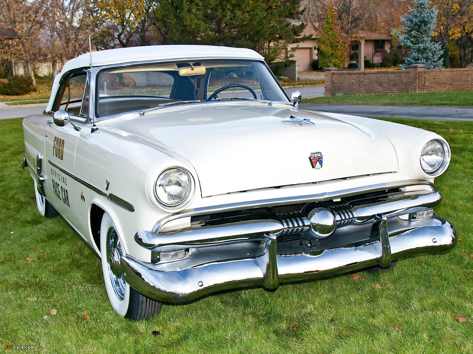 Ford Crestline Convertible Indy 500 Pace Car (76B) 1953 pictures (1600 x 1200)