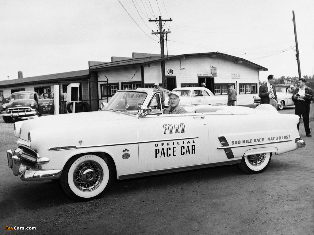 Ford Crestline Convertible Indy 500 Pace Car (76B) 1953 wallpapers (1024 x 768)