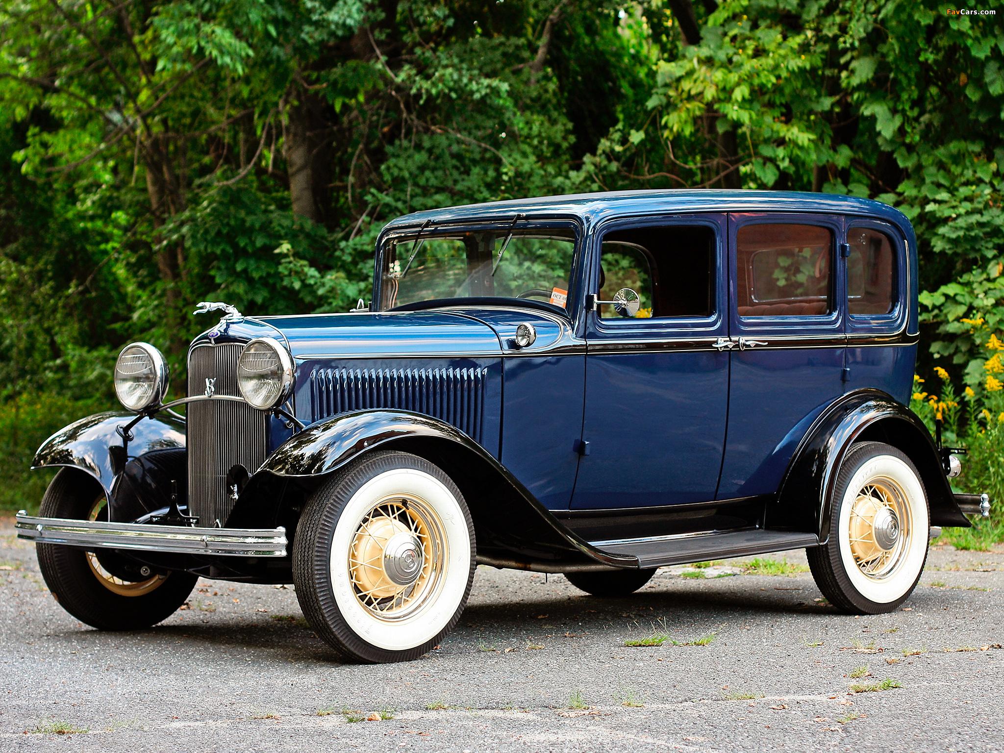 Photos of Ford V8 Deluxe Fordor Sedan (18-160) 1932 (2048 x 1536)