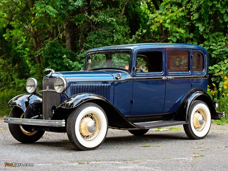 Photos of Ford V8 Deluxe Fordor Sedan (18-160) 1932 (800 x 600)