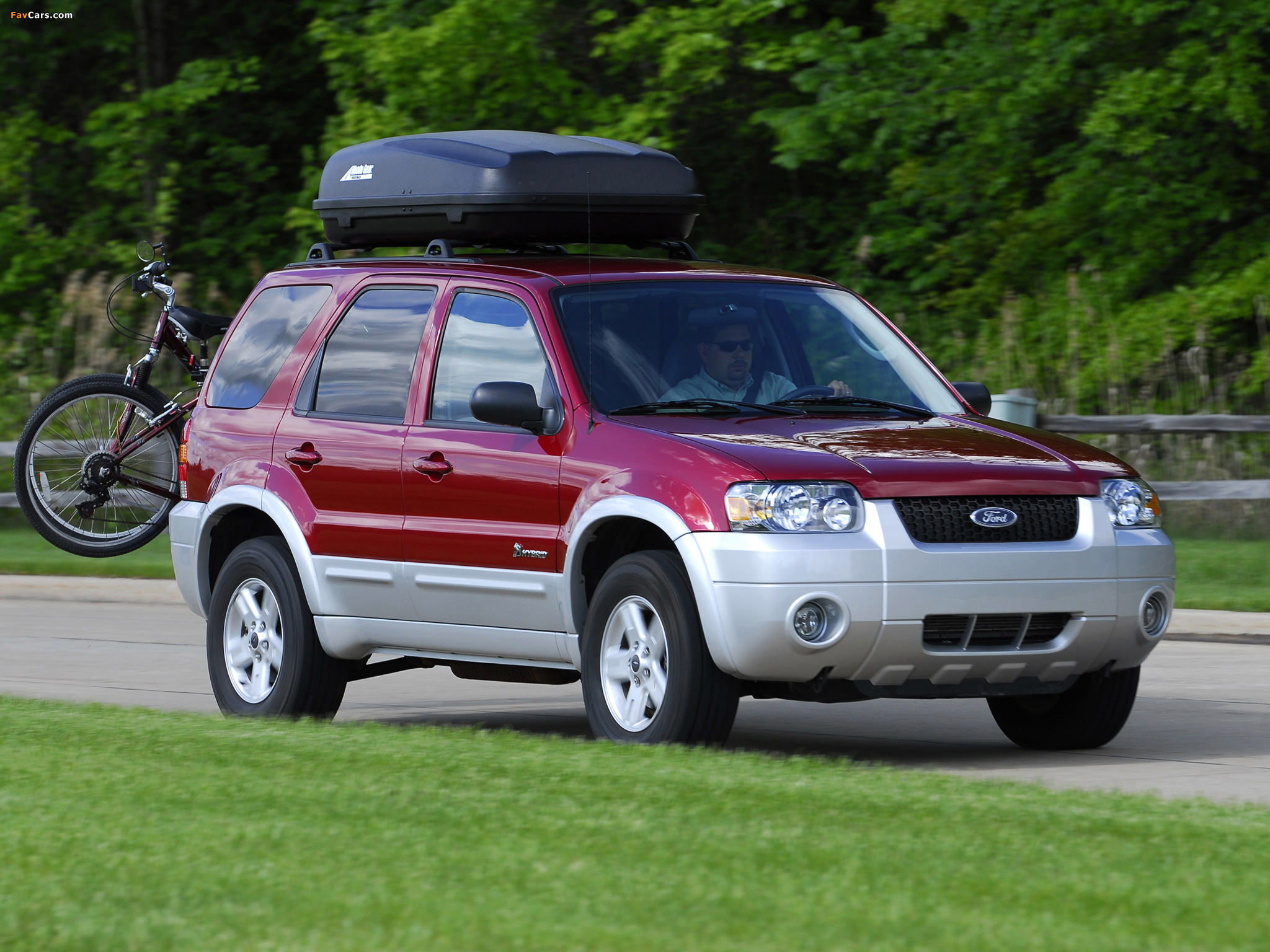 Ford Escape Hybrid 2004–07 wallpapers (2048 x 1536)