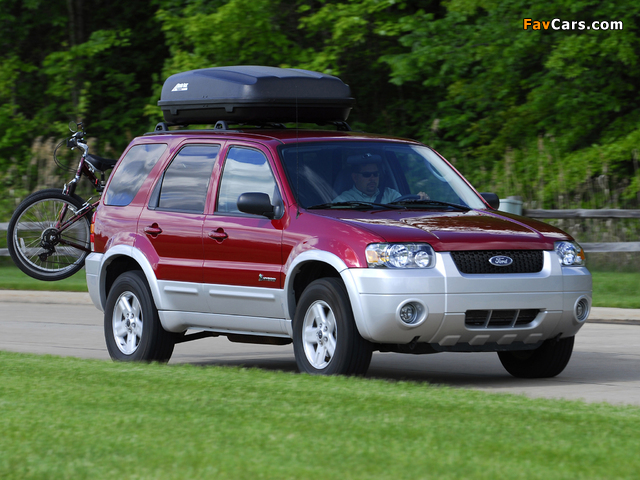 Ford Escape Hybrid 2004–07 wallpapers (640 x 480)
