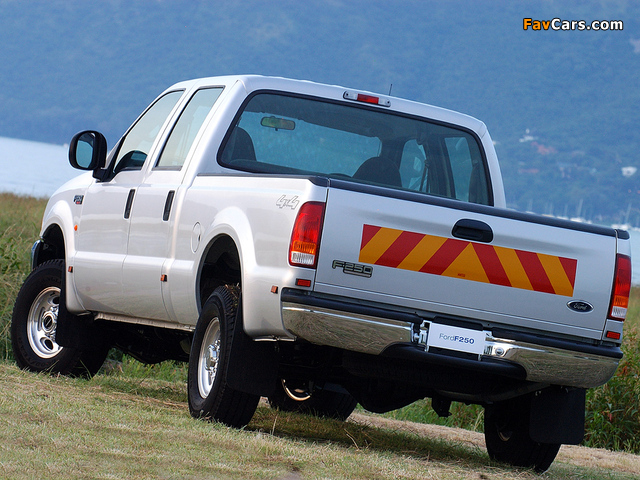 Ford F-250 Double Cab ZA-spec 2005–08 images (640 x 480)