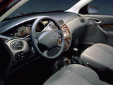 Ford Focus Ghia 5-door 1998–2001 images