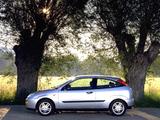 Ford Focus 3-door 1998–2001 pictures
