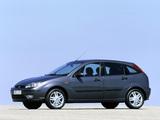 Ford Focus 5-door 2001–04 images