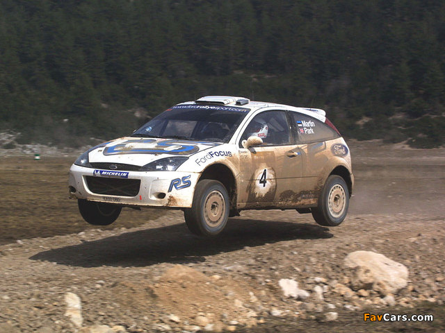 Ford Focus RS WRC 2001–02 images (640 x 480)