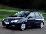 Ford Focus 5-door UK-spec 2001–04 pictures