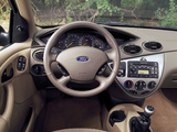Ford Focus ZX5 2002–04 pictures