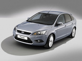 Ford Focus 5-door 2008–11 images