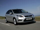 Ford Focus 5-door UK-spec 2008–11 images