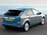 Ford Focus 5-door 2008–11 images