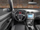 Ford Focus 5-door 2008–11 photos