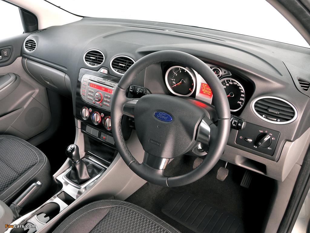 Ford Focus 5-door ZA-spec 2009–10 pictures (1024 x 768)