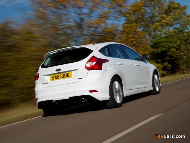 Ford Focus Zetec S 2011 photos (640 x 480)