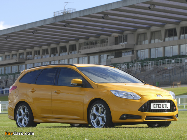 Ford Focus ST Wagon UK-spec 2012 pictures (640 x 480)