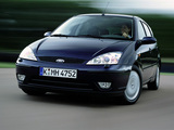 Images of Ford Focus 5-door 2001–04