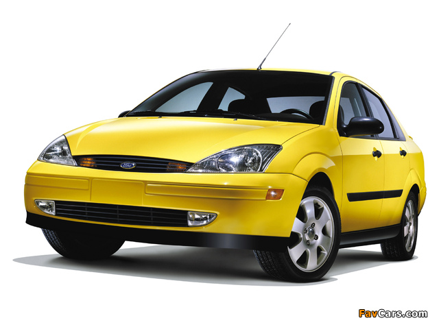 Images of Ford Focus Sedan Street Edition 2001 (640 x 480)