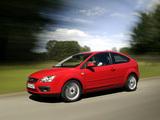 Images of Ford Focus 3-door 2004–08