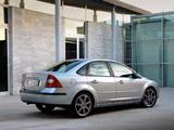 Images of Ford Focus Sedan 2004–08