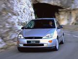 Photos of Ford Focus 3-door 1998–2001