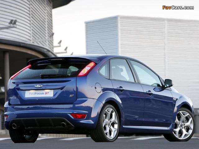 Photos of Ford Focus ST 5-door ZA-spec 2008–10 (640 x 480)