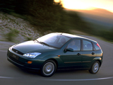 Pictures of Ford Focus Ghia 5-door 1998–2001