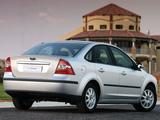 Pictures of Ford Focus Sedan ZA-spec 2005–06