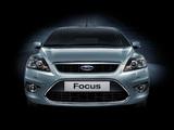 Pictures of Ford Focus 5-door 2008–11