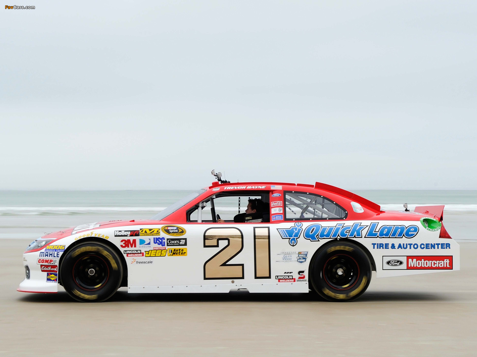 Images of Ford Fusion NASCAR Sprint Cup Series Race Car 2009–12 (1600 x 1200)