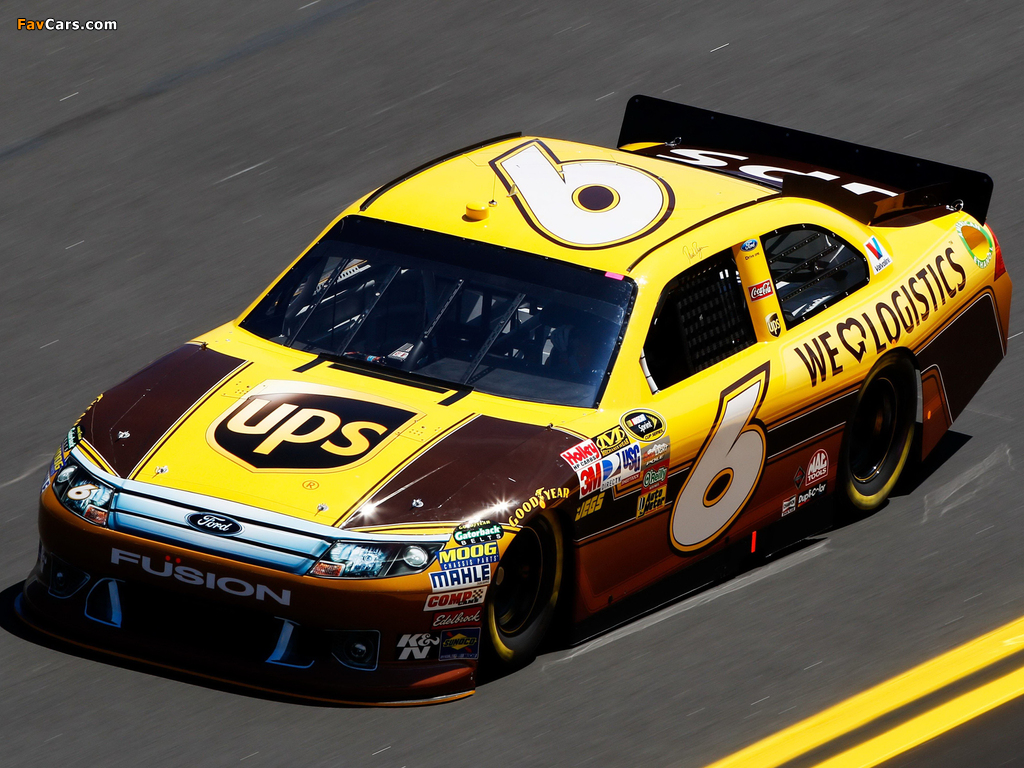 Images of Ford Fusion NASCAR Sprint Cup Series Race Car 2009–12 (1024 x 768)