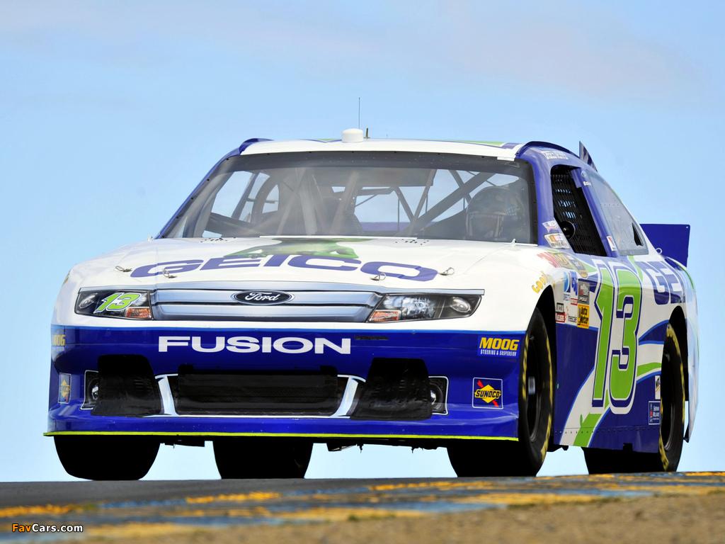 Photos of Ford Fusion NASCAR Sprint Cup Series Race Car 2009–12 (1024 x 768)