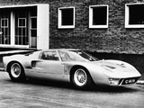 Pictures of Ford GT40 at Daytona 1965