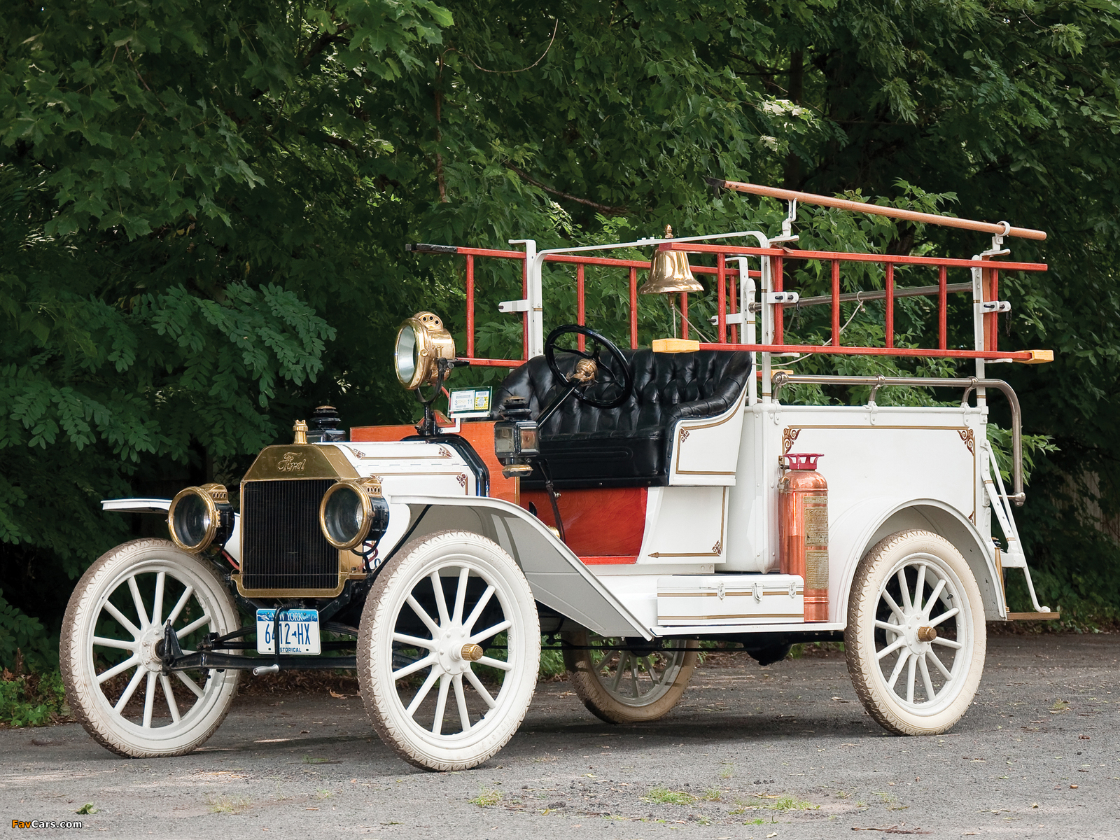 Ford Model T Firetruck 1913 pictures (1600 x 1200)