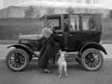 Ford Model T Center Door Sedan 1915–23 photos