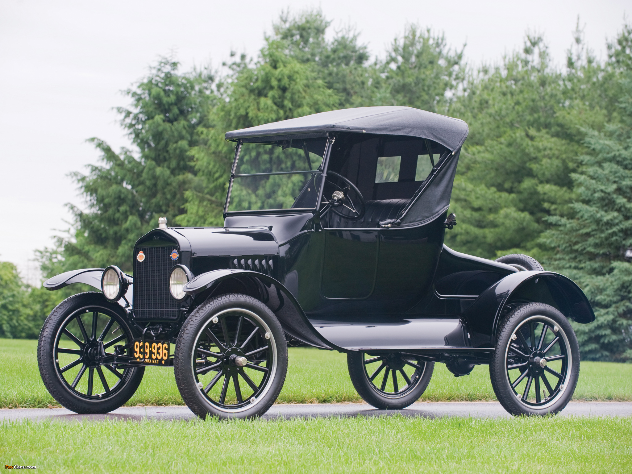 Photos of Ford Model T Roadster 1923 (2048 x 1536)
