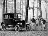 Pictures of Ford Model T Tudor Sedan 1923–25