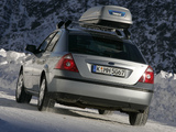 Photos of Ford Mondeo Hatchback 2004–07
