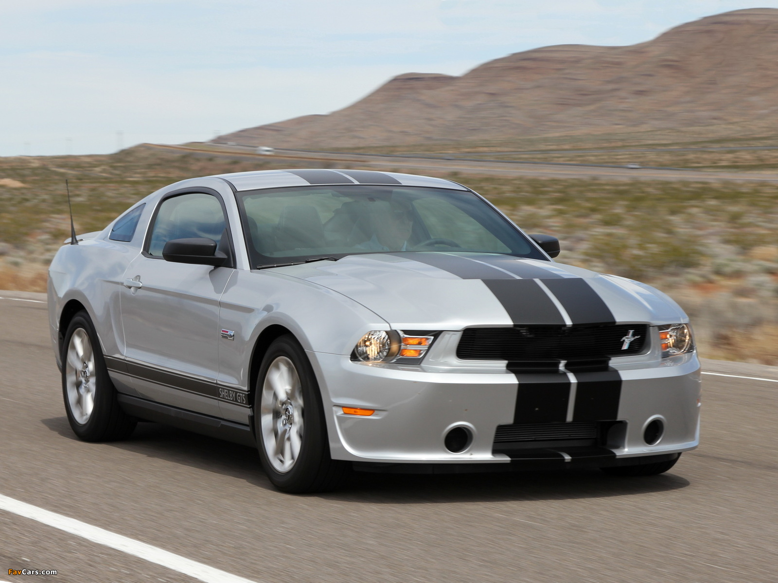Shelby GTS 2011 wallpapers (1600 x 1200)