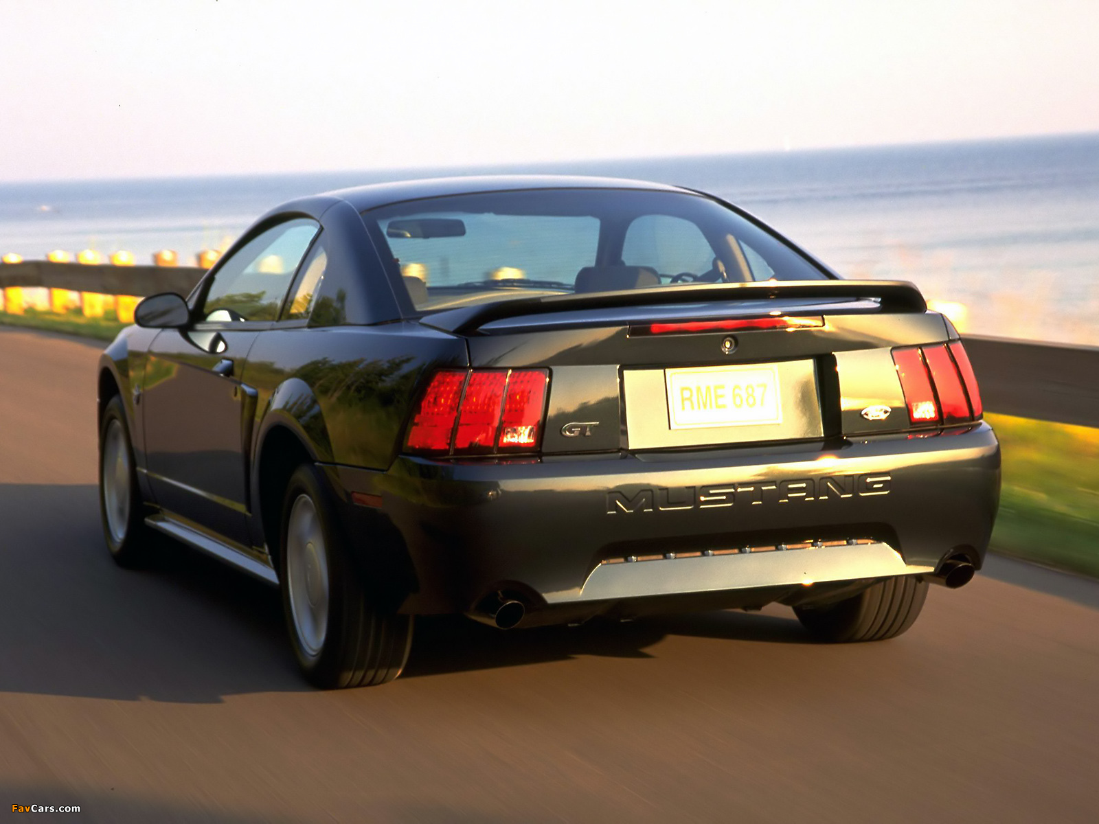 Images of Mustang GT Coupe 1998–2004 (1600 x 1200)